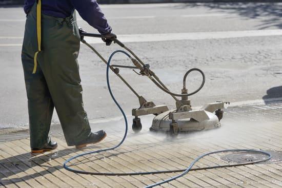 Pressure washing services in Jacksonville, FL