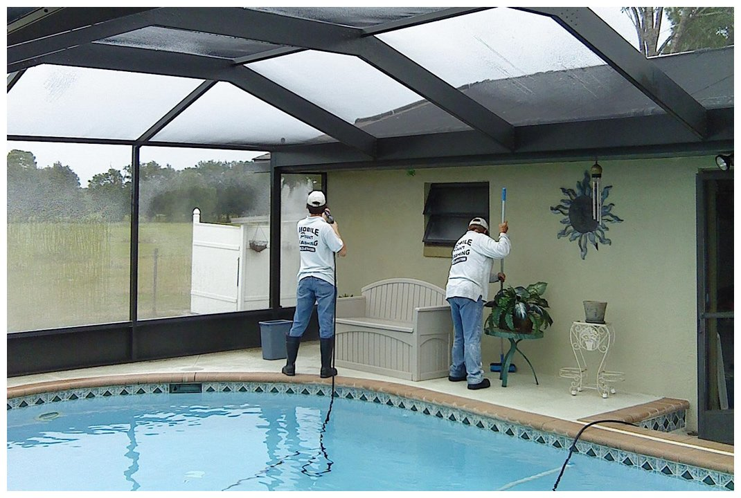 Screen enclosure cleaning in Jacksonville, FL