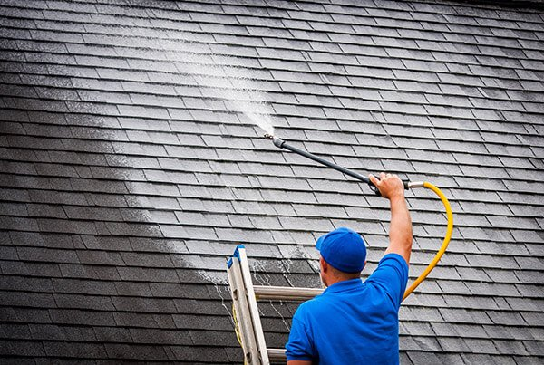 Roof cleaning in Jacksonville, FL